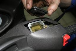 Changer les plaquettes de frein de votre scooter scooter chinois 4t - Comment se couper le frein du gland ...